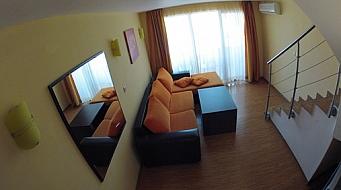 Apolis Mezonet 2 спальни